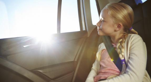 trasporto-bambini-in-auto